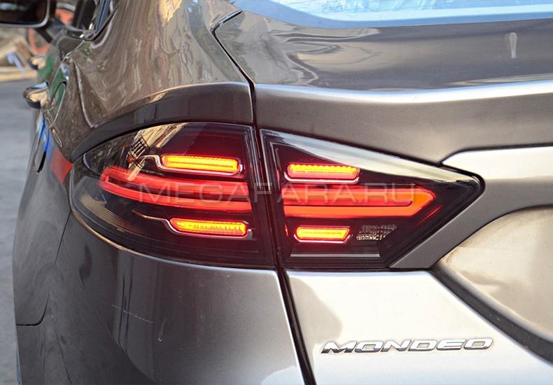 Задние фонари Форд Мондео 5 / Фьюжн 2014-2019 V1 type [Комплект Л+П; светодиодные; бегущий поворотник; ТЕМНЫЕ]
