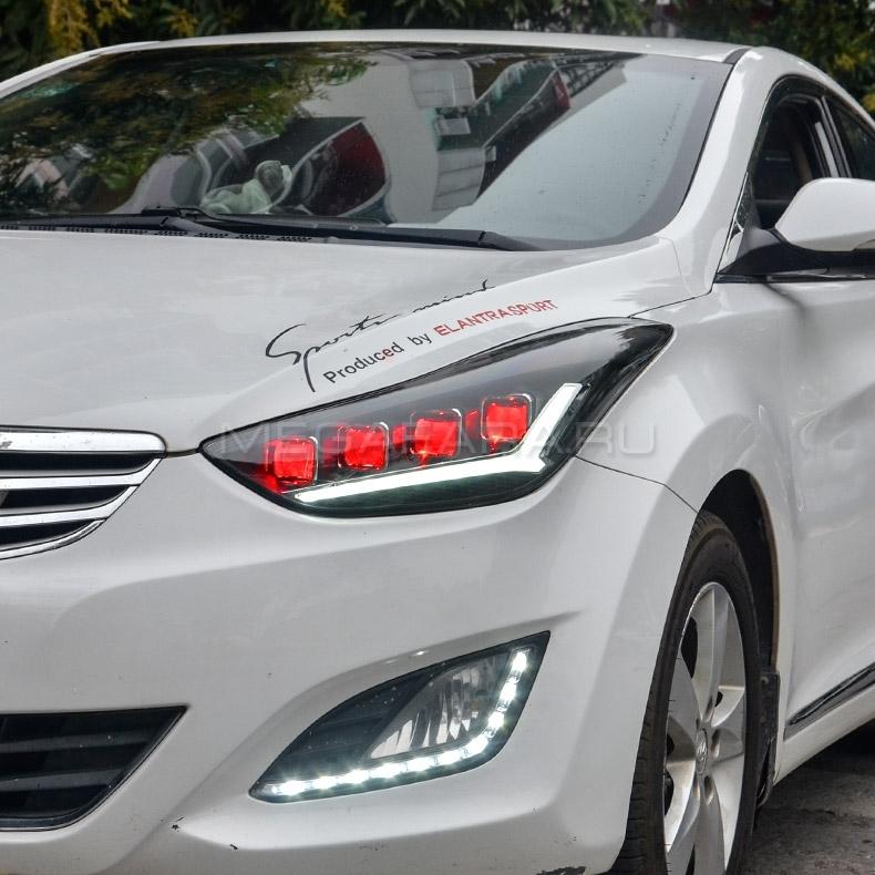 Передние фары Хендай Элантра 5 2010-2016 V3 type [Комплект Л+П; ходовые огни; светодиодный поворотник; электрокорректор; FULL LED]