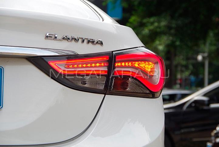 Задние фонари Хендай Элантра 2011-14 V8 type [ДЫМЧАТЫЕ; Комплект Л+П; светодиодные]