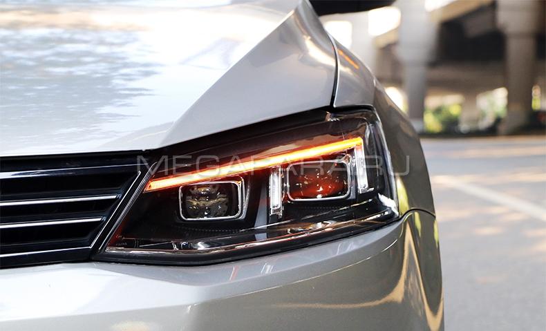 Передние фары Джетта 6 2011-2018 V13 type [Комплект Л+П; ходовые огни; биксеноновая линза Хелла 5R; электрокорректор; светодиодный поворотник]